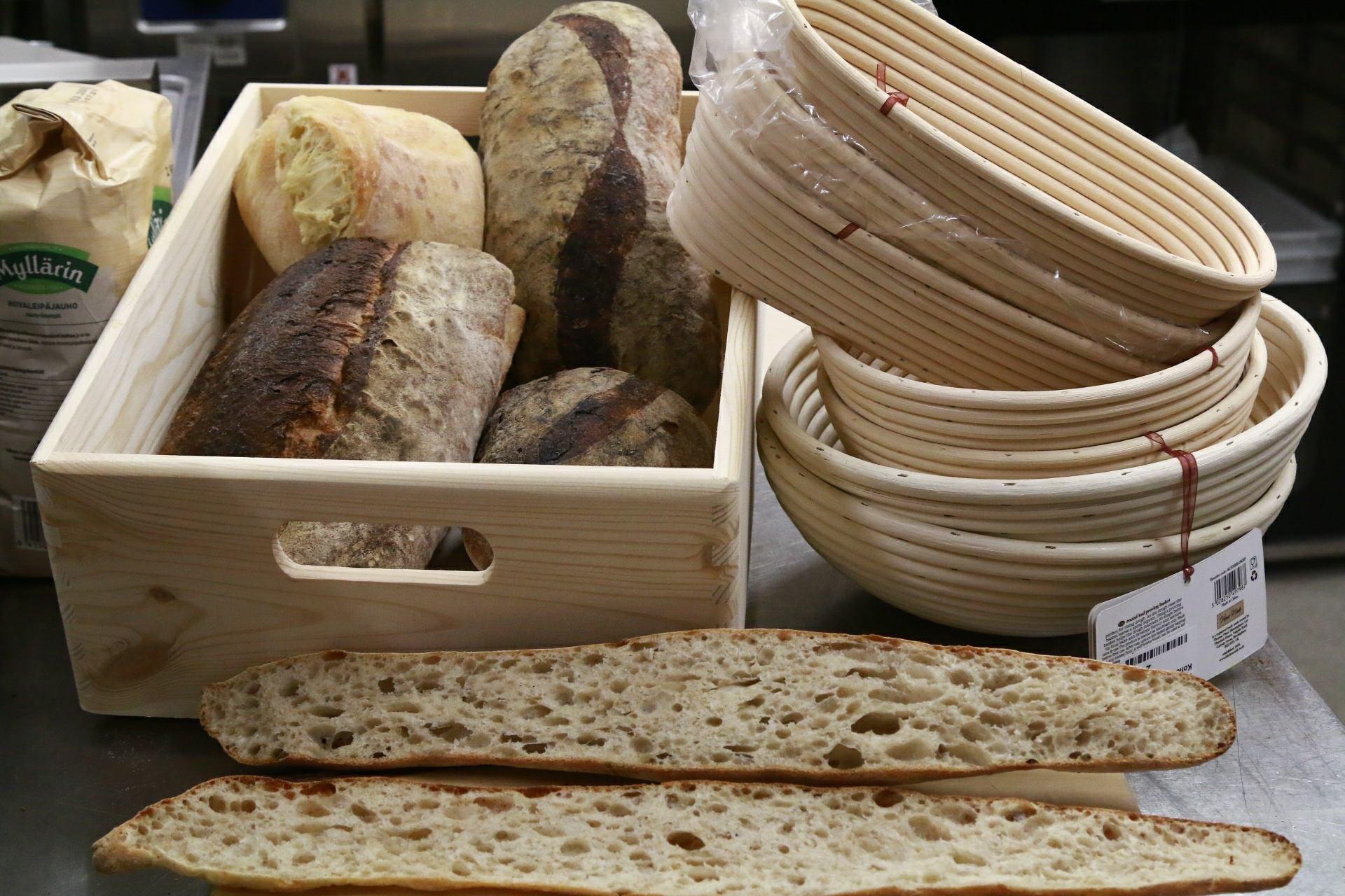 Tuoretta leipää! | Spauna, Kustavi. Kuva Yaron Cohen.
